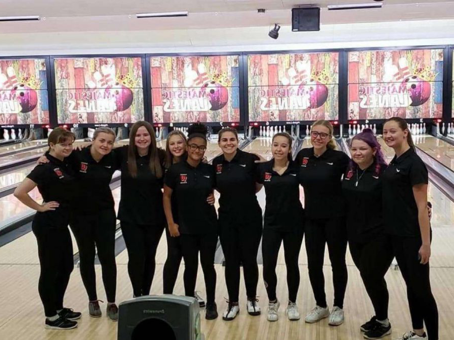 Woodbridge+Girls+Bowling+team+at+the+Marisa+Tufaro+bowling+tournament.+They+raised+over+%243%2C600.